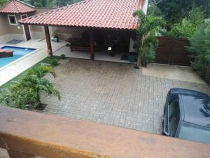 A view of the pool at Casa Pico Alto or nearby