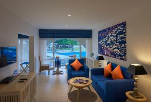 A seating area at Trinco Blu by Cinnamon