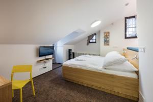 Letto o letti in una camera di Fancy apartments by Prague Castle