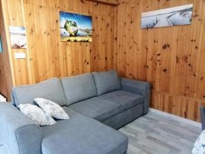 Een zitgedeelte bij Domaine du Cayre