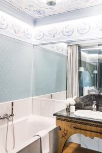A bathroom at Bachleda Residence Zakopane