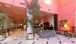 The lobby or reception area at Hotel San Juan de los Reyes