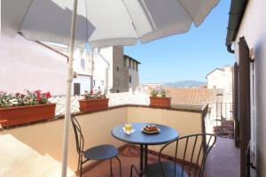 A balcony or terrace at Hotel Bavaria