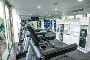 Das Fitnesscenter und/oder die Fitnesseinrichtungen in der Unterkunft Courtleigh Hotel & Suites
