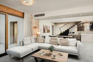 A seating area at Amaré Chania Luxury Residence
