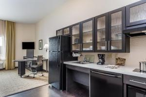 A kitchen or kitchenette at Candlewood Suites Bethlehem South, an IHG Hotel