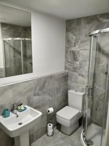 A bathroom at Empire Apartments