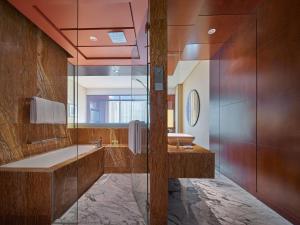 A bathroom at Grand Hyatt Kuala Lumpur