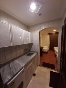 A cozinha ou cozinha compacta de سيف اليماني
