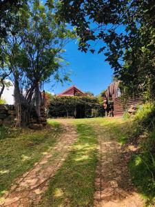 A garden outside Hotel Campestre los Duraznos