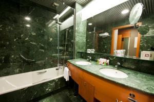 Un baño de Gran Hotel Lakua