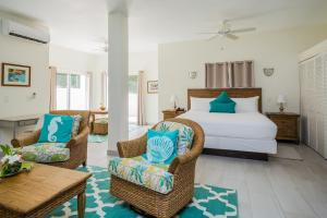 A seating area at Mount Nevis Hotel
