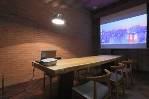 A television and/or entertainment center at Boutique Hotel Loft