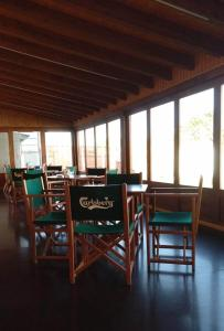 A restaurant or other place to eat at albergue camino real