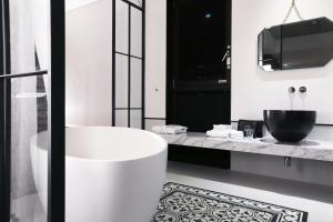 A bathroom at Boutique Hotel Loft