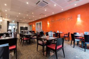 Restaurant ou autre lieu de restauration dans l'établissement Le Clos Rebillotte