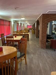 A restaurant or other place to eat at Beaufort Park Hotel
