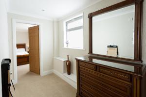 A bathroom at Hotel Savoy
