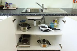 A kitchen or kitchenette at JO's Farmstay