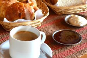 Opciones de desayuno para los huéspedes de Hostería Güemes