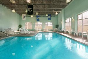 The swimming pool at or near Baymont by Wyndham Ft. Leonard/Saint Robert