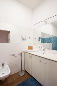 A bathroom at Agave in Città