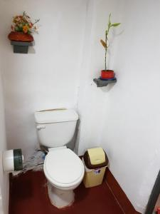 A bathroom at Urcututo House