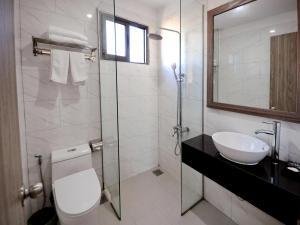 A bathroom at Mega Light Hotel - Managed By RHM GROUP