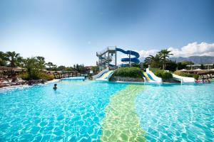 Der Swimmingpool an oder in der Nähe von Limak Limra Hotel &Resort -2 Children Free Up to Age 14