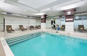 The swimming pool at or close to Hyatt Place Denver Downtown