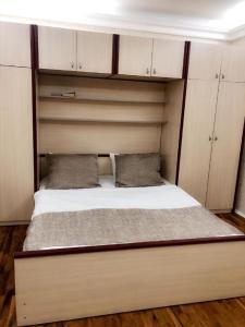 Cama ou camas em um quarto em Nizami Street 41A