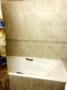 Um banheiro em Nizami Street 41A