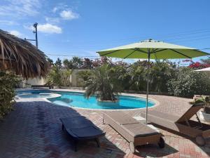 Het zwembad bij of vlak bij Wayaca Mini Resort