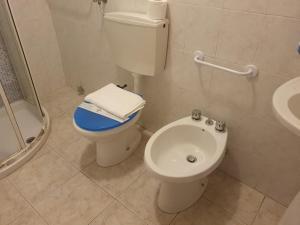 A bathroom at Locanda Dalla Compagnia