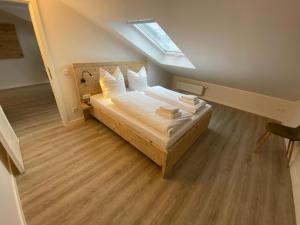 A bed or beds in a room at Smart Resorts Azur