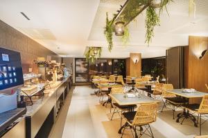 En restaurang eller annat matställe på Hotel San Cristóbal