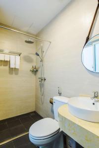 A bathroom at Nexy Hostel