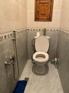 Um banheiro em CINEMA-FRIENDSHIP 3 bedrooms