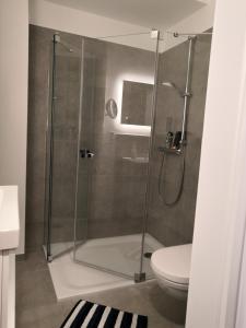 Ein Badezimmer in der Unterkunft Berghaus Glockner, App. Niedermeyer