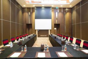 Бизнес-центр и/или конференц-зал в Holiday Inn Chennai OMR IT Expressway, an IHG Hotel