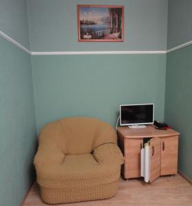 Телевизор и/или развлекательный центр в Гостиничный Компелкс Ельцовский