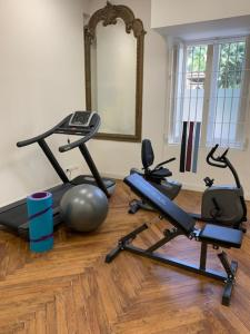 The fitness center and/or fitness facilities at Lolli Palace Hotel
