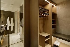 A bathroom at Four Seasons Hotel Kyoto