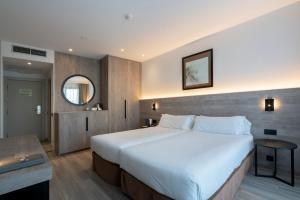 Cama o camas de una habitación en Attica 21 Barcelona Mar