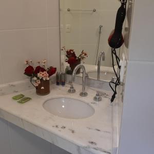 A bathroom at Artesanal Gourmet e Pousada