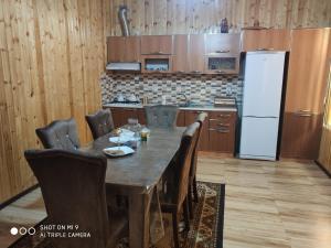 A cozinha ou cozinha compacta de House Gabala