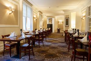 A restaurant or other place to eat at Pine Trees Hotel Pitlochry