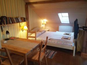 Lova arba lovos apgyvendinimo įstaigoje Senosios Geguzines ukis