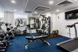 The fitness centre and/or fitness facilities at Holiday Inn London Watford Junction, an IHG Hotel