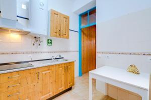 Cucina o angolo cottura di TREM - LOCATED IN OLD CITY - FARO